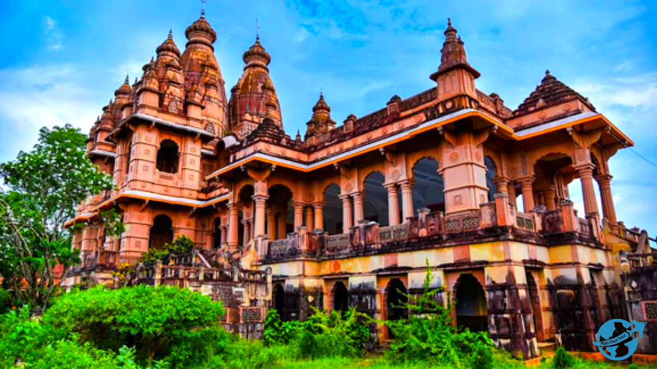 naulakha mandit.best places to visit in deoghar